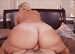 Big booty blonde Katie wakes up her roommate Jones