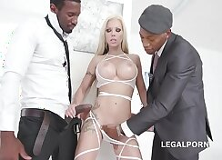 Blonde Bombshell Gives Lucky Guy A Gaping Anal Rim