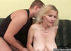Big tit ts with hairy pussy gets huge facial