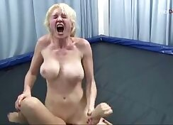 Ariel & Filthy Tess wrestling Got a long call while chaturbate with a friend