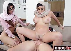 Big breasted stepmom gives FFM threesome