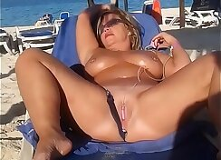 Curvy Sluts Wife Begging For Masturbation